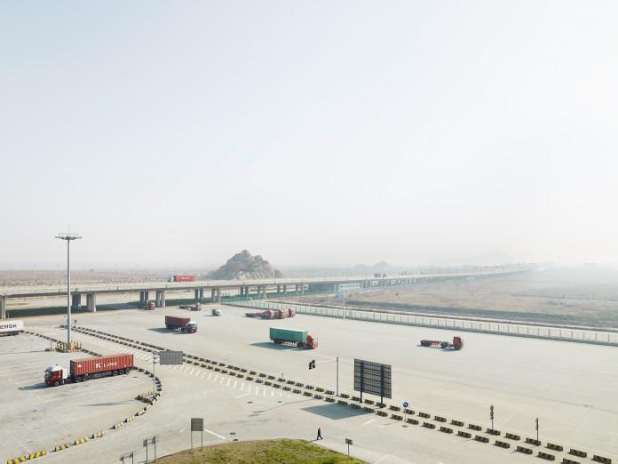 Zufahrt zum Containerterminal, Insel Yangshan, China