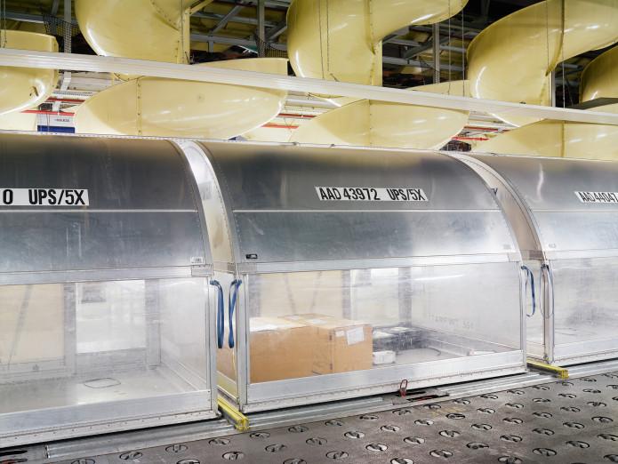 Verteilzentrum für Pakete am Flughafen Köln-Bonn, Deutschland